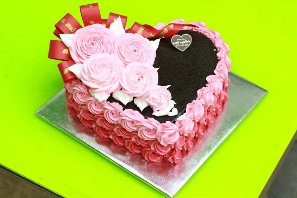 Mẫu bánh kem sinh nhật ngộ nghĩnh tạo hình bông hoa đẹp ...  Mẫu bánh kem...